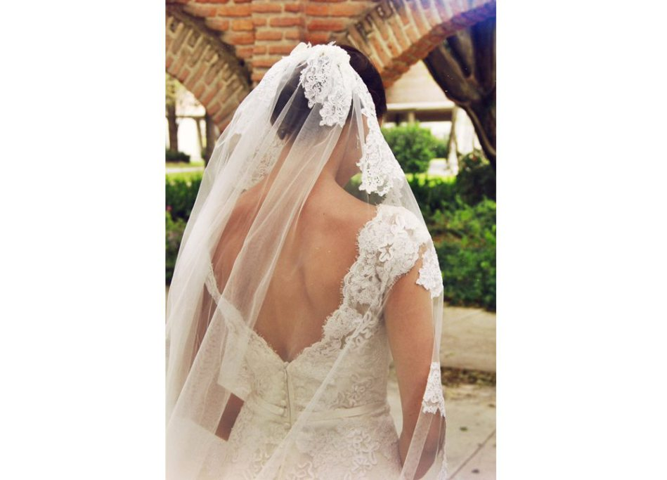 Ventajas y desventajas de comprar un vestido de novia usado ¡Todo lo que debes contemplar!