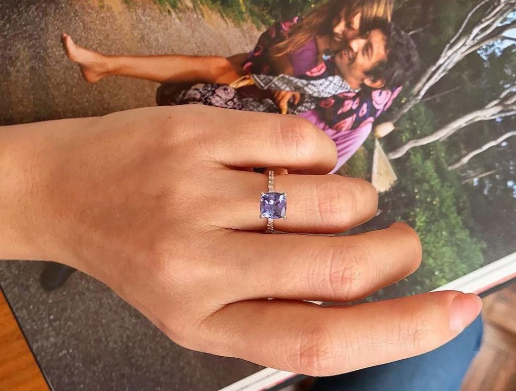 no usar el anillo de compromiso 7