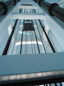La visita puede realizarse por escalera o ascensor