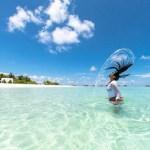 Eau de mer sur les cheveux vertus et précautions