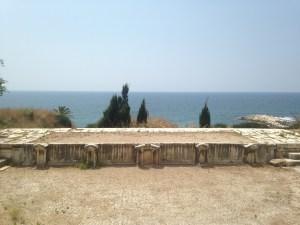 Le petit théâtre de Byblos, face à la mer