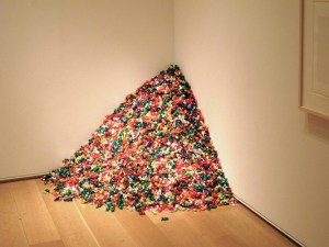 "Felix Gonzalez-Torres (1957-1996) ""Untitled"" (Portrait of Ross in L.A.), 1991, multicolored candies, ideal weight 75 lb, dimensions variable © The Felix Gonzalez-Torres Foundation"