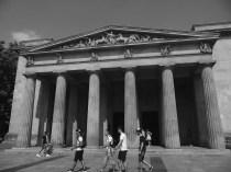 7 Mémorial aux victimes de la guerre et de la tyrannie
