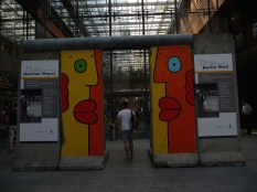 EAST SIDE GALLERY 1A