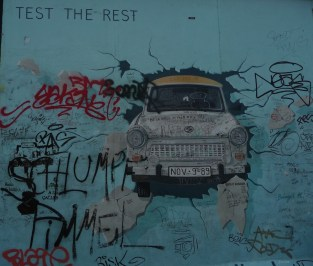 26 East Side Gallery