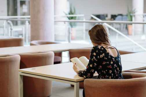se concentrer pour lire quand il y a du bruit