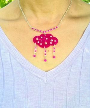 Collier la pluie en rose