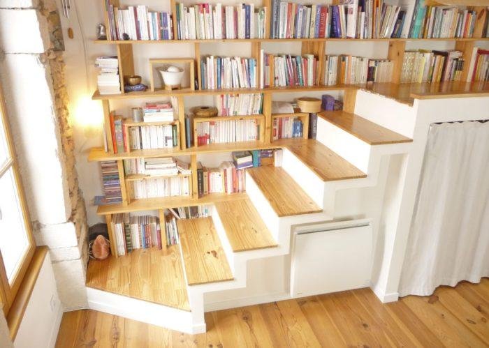 L'escalier pour accéder à mon bureau en mezzanine