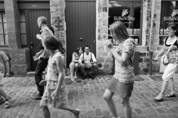 Seance-engagement-dans-le-vieux-Lille-Marine-Szczepaniak-Photographe-mariage-Nord-Pas-de-Calais-63(pp_w734_h489)