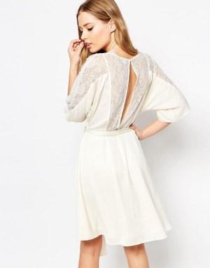 asos-robe-courte-en-satin-a-ourlet-incurve-et-dos-en-dentelle