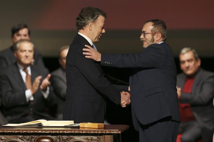 Resultado de imagen para se firma amnistia colombia