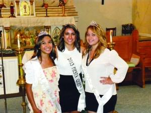 Engalanando el Festival. De izquierda a derecha: Mariah Medina, Princesa 2014; Angela Lobato, 2013, Reina del Festival 2013 y Harley Valdez, Reina 2014. (Fotos de Joel Flores)