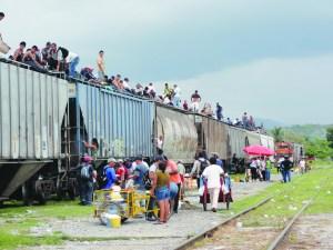 """Una historia que nos llevó a conocer más de cerca la travesía del inmigrante centroamericano en la llamada """"Bestia Negra"""". (Fotos de Germán González)"""