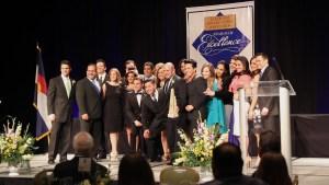 Temundo Denver fue galardonado con un total de 16 premios de excelencia.