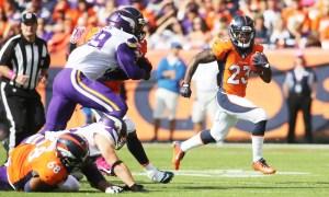 Broncos Vence 23 a 20 a Vikingos. (Foto cortesía de denverbroncos.com/Eric Bakke).