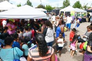 Kids Choice sigue apoyando a la comunidad con su tradicional feria de recursos.