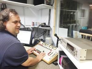 Ryan Osentowski, quien es ciego de nacimiento. ha sido una pieza clave en la producción de RAIC.