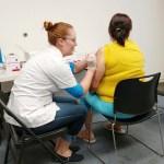 La Fundación Flores con el apoyo de Walgreens cumplieron con las expectativas de apoyar a la comunidad con la campaña de vacunas gratuitas contra la gripe.