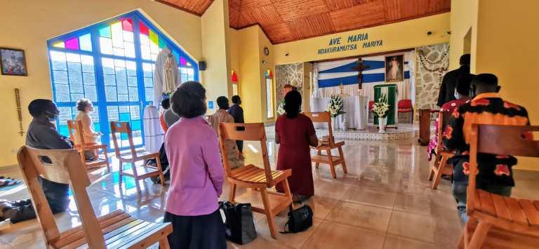 En el santuario de Ntra. Sra. de Fátima de Ruhengeri