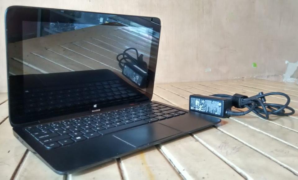 netbook bekas hp 11-x2
