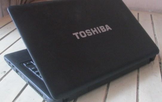 Laptop Bekas Toshiba