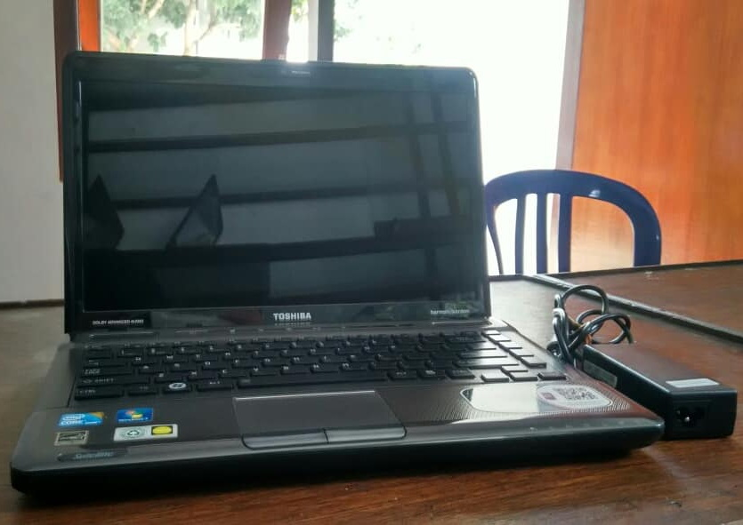 laptop bekas toshiba m645