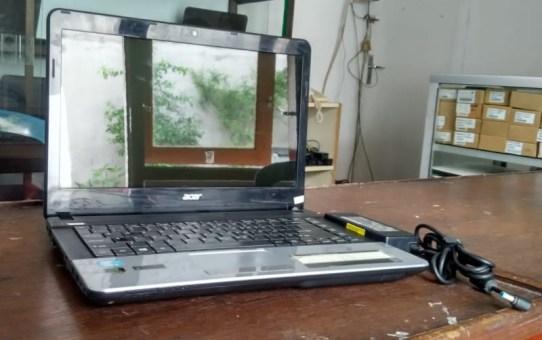 Laptop Bekas Acer E1-471G