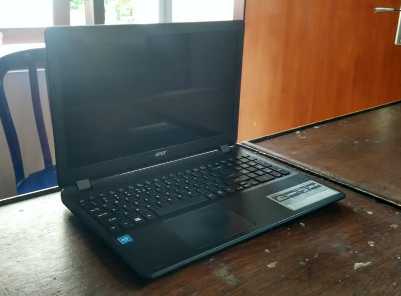laptop bekas acer es1-531