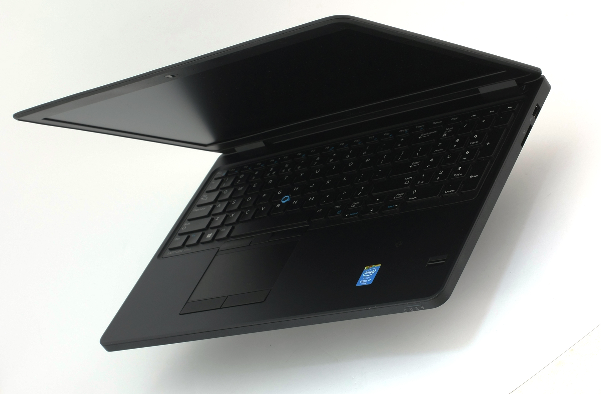 Dell Latitude E5550 review – Dell's secret weapon to take down the