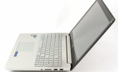 ASUS UX501 side open