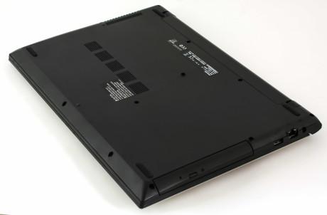 Toshiba Satelite L50 bottom1