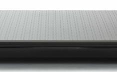 Acer V15 2 side1