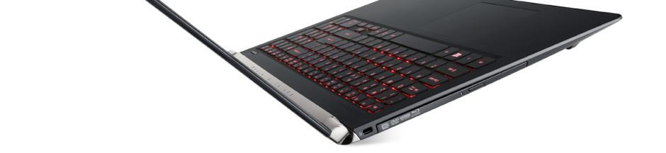 Aspire-V15-Nitro-Black-Edition-VN7-591_backlit-keyboard-side