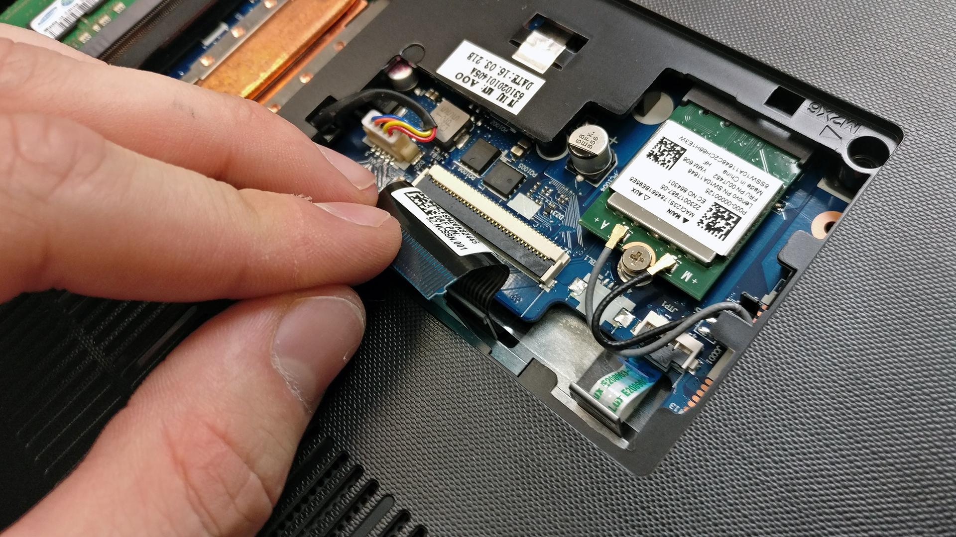 Inside Lenovo Ideapad 310 – disassembly, internal photos and upgrade