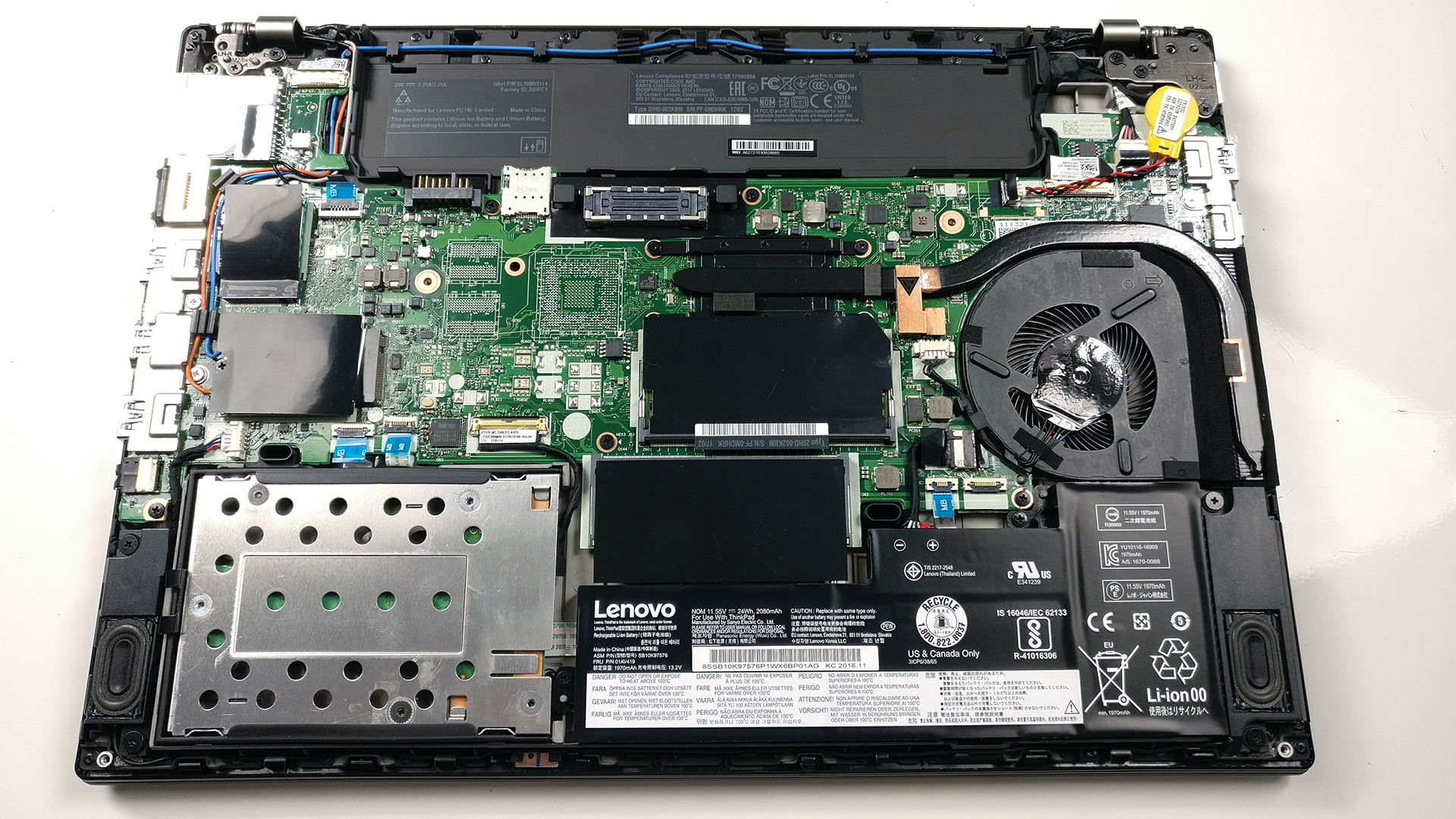 Inside Lenovo ThinkPad T470 – disassembly, internal photos