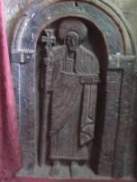 Las mujeres no tenemos permitida la entrada a la iglesia Bet Golgotha así que el guía hizo la foto de este alto relieve de un santo por mi