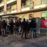 I Movimenti bloccano, in attesa della risposta leghista