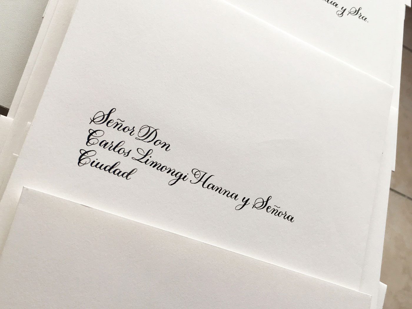Sobre boda caligrafia tradicional