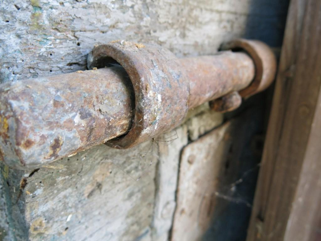 Antica porta e antico chiavistello collezione vintage