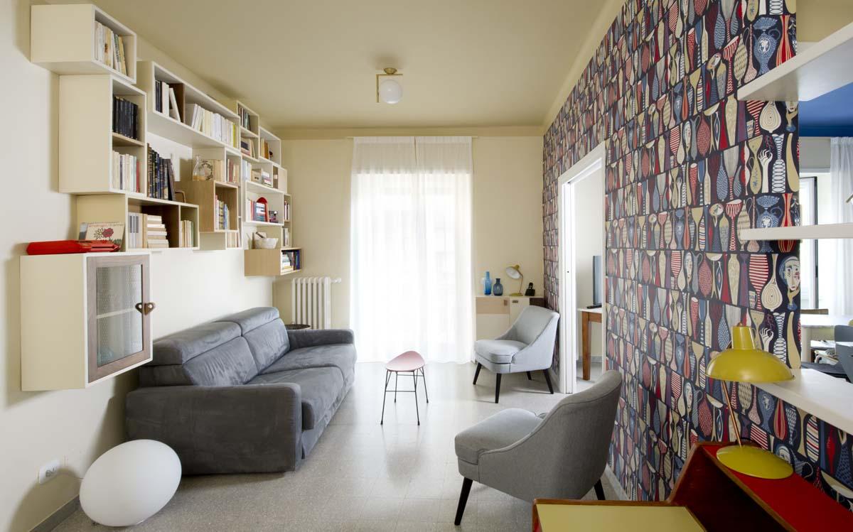 soggiorno con parete attrezzata in legno massello contemporaneo