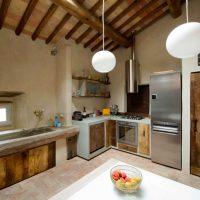 La cucina artigianale su misura: legno massello o vintage, resina, metallo