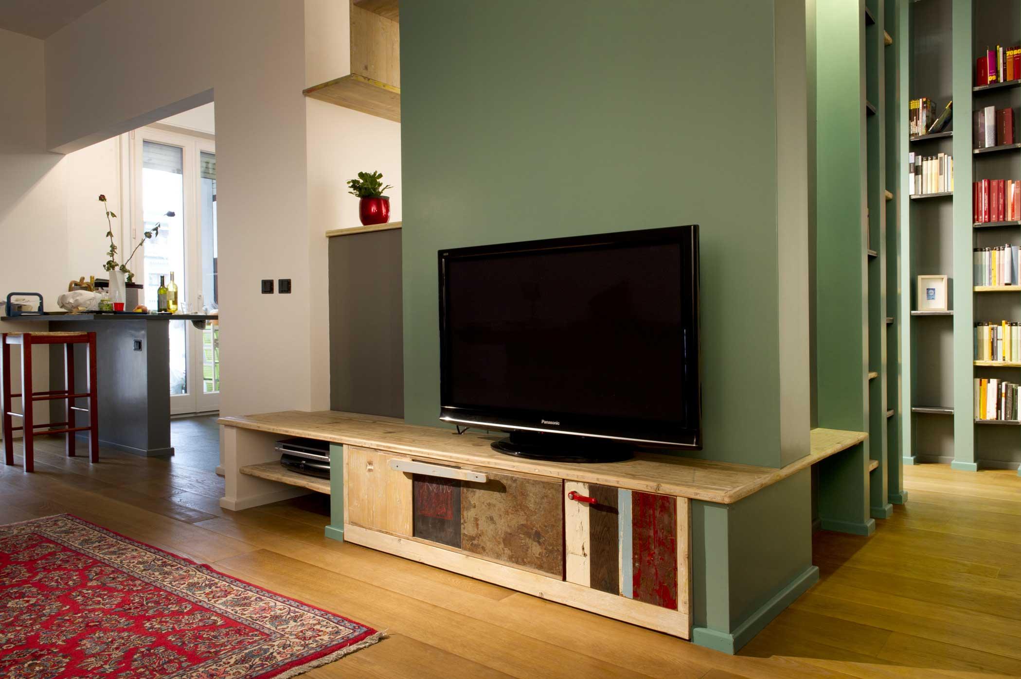 Mobile tv basso in legno e legno vintage