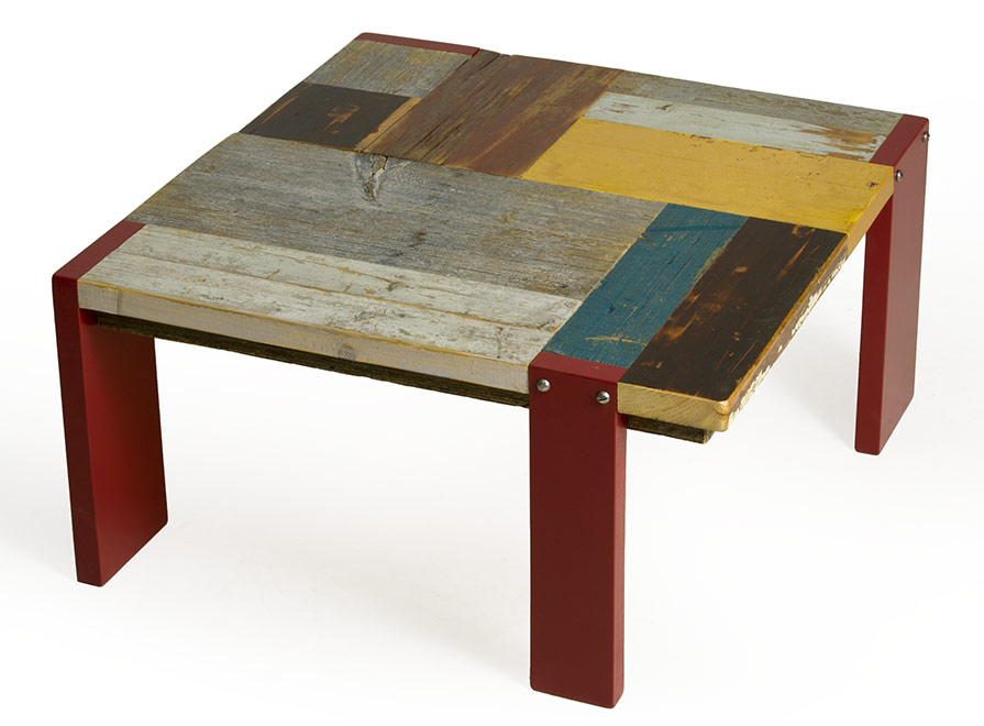 Tavolo in legno di recupero colorato laccatura rossa