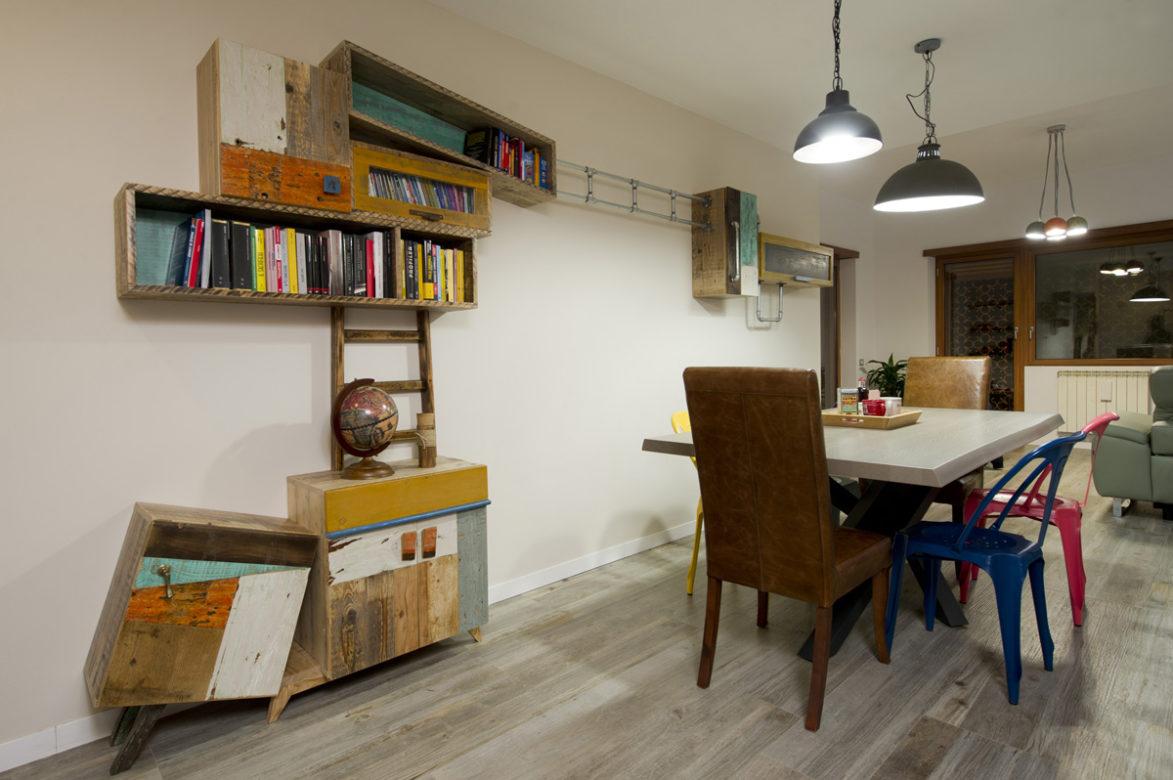 soggiorno con parete attrezzata contemporanea legno massello vintage