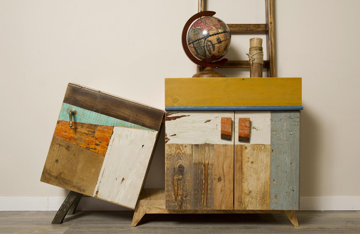 mobile soggiorno con ante di design e legno di recupero