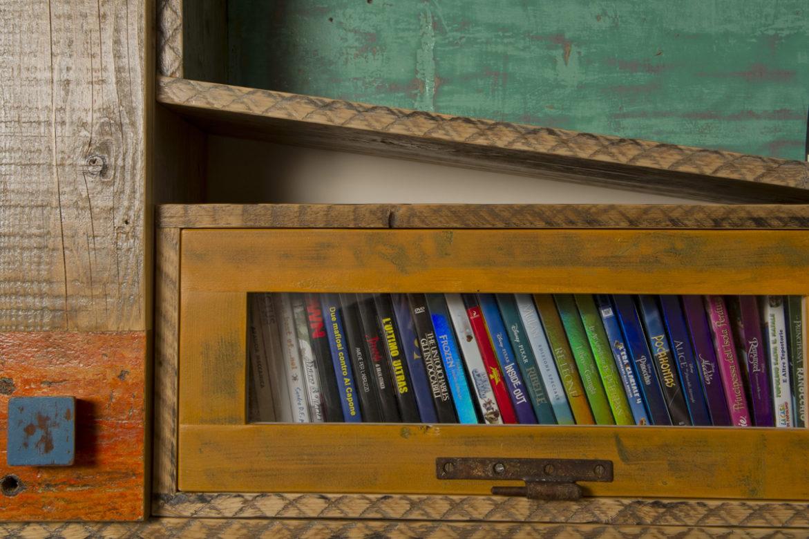 parete attrezzata per libri con legno vintage
