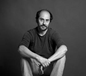 Luca de Pascalis co-founder e falegname del laboratorio di design artigianale Laquercia21 in Umbria