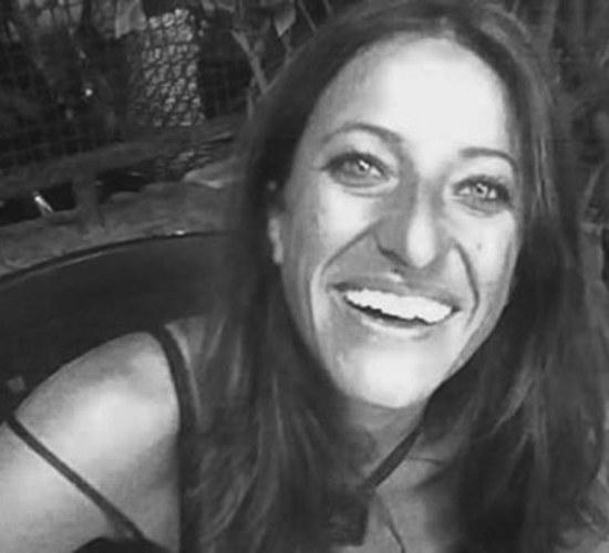 Daniela Argenti artiginana del colore e della resina per mobili