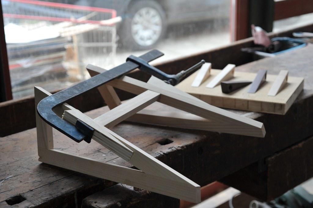 Base scrittoio con cavalletti in legno massello