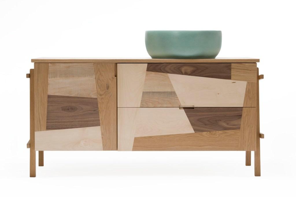 Mobile su misura in legno per arredo bagno contemporaneo